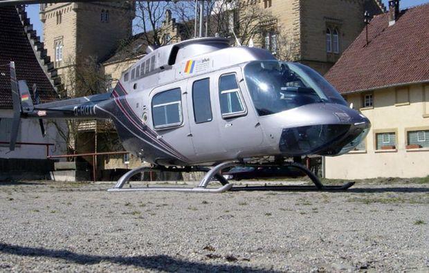 hubschrauber-rundflug-stuttgart-burgen-rundflug-stadt