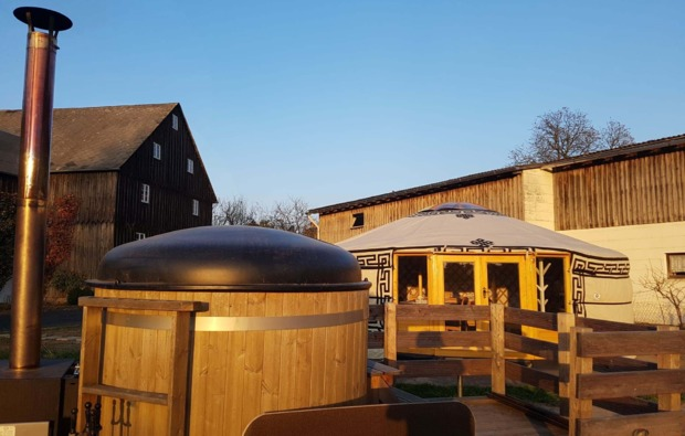 jurte-uebernachtung-neuhaus-eger-hof