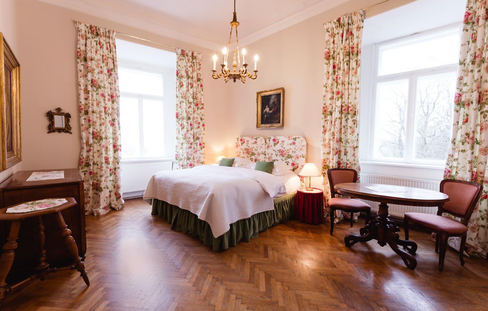 schlosshotels-steinakirchen-am-forst-bg1