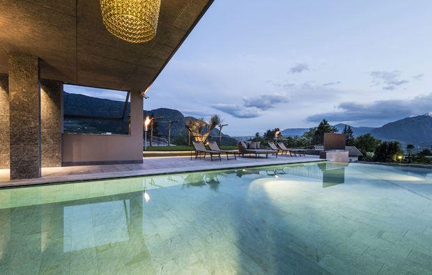 wellnesshotel-tirol-pool