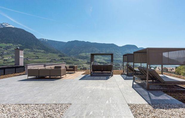 wellnesshotel-tirol-terrasse