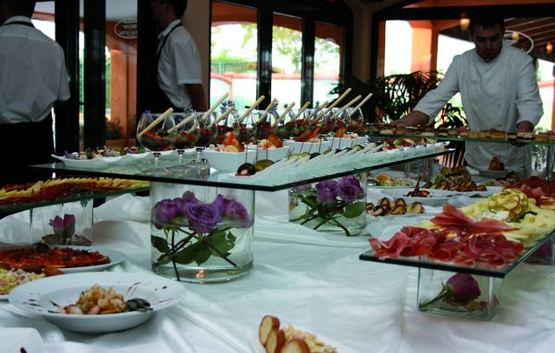 kurzurlaub-am-meer-peroj-buffet