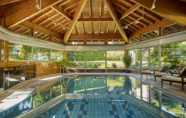 romantikwochenende-garmisch-partenkirchen-pool