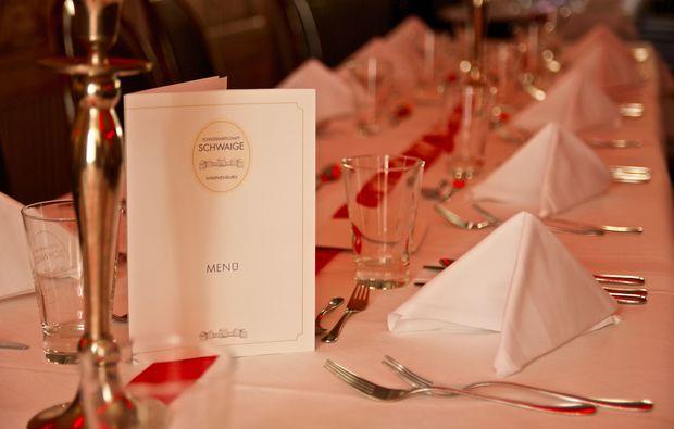 erlebnisrestaurant-muenchen-sissi-dinner-tafel