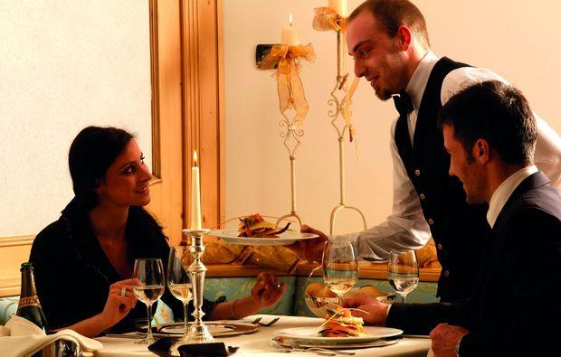 kurzurlaub-moena-tn-fassatal-dinner