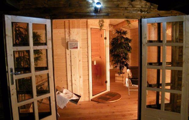 romantikwochenende-orlenbach-saunabereich