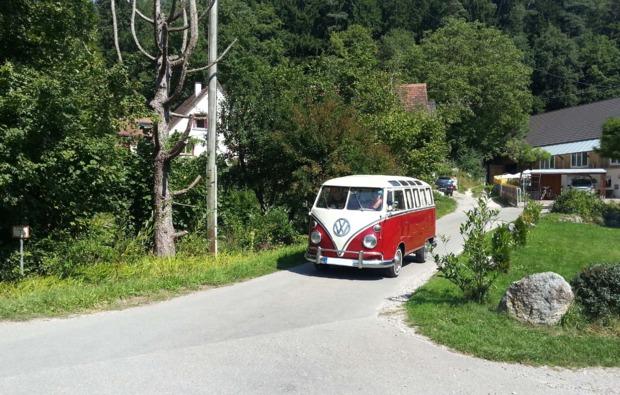 oldtimer-fahren-friedrichshafen-bulli