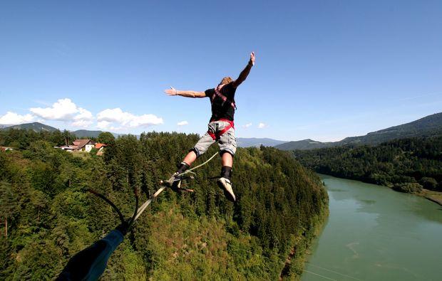 bungee-jumping-klaus-an-der-pyhrnbahn-oberoesterreich-bg1