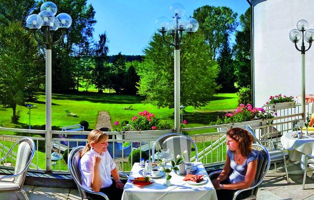 thermen-spa-hotels-bad-woerishofen-terrasse