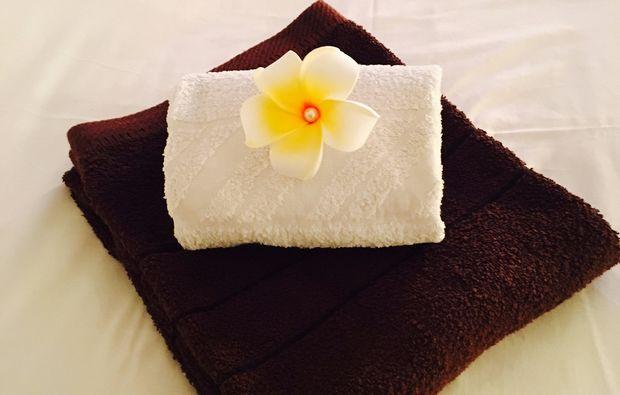 hawaiianische-massage-wien-tuch