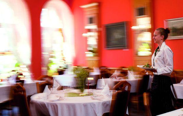 kurzurlaub-jindichuv-hradec-dinner
