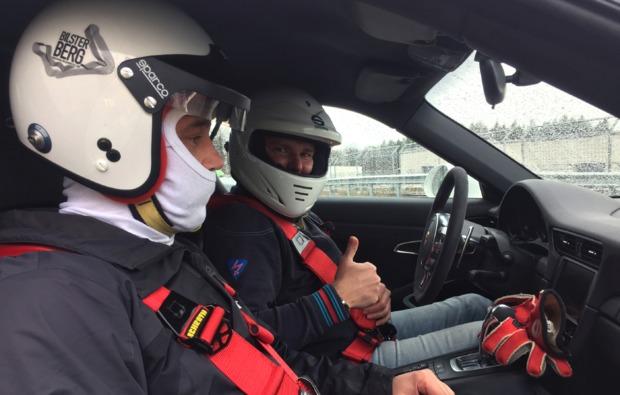 rennwagen-selber-fahren-most-fahrspass
