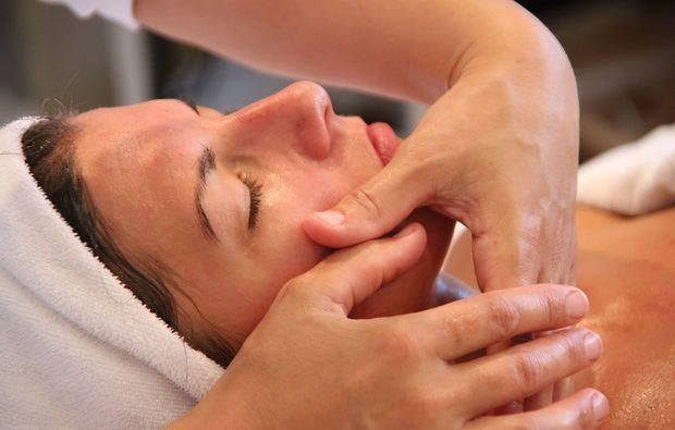 wellnesstag-fuer-sie-villach-gesichtsbehandlung