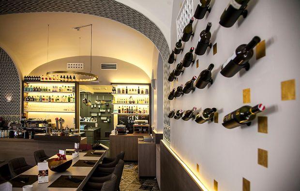 romantisches-dinner-fuer-zwei-wein-bar-wien