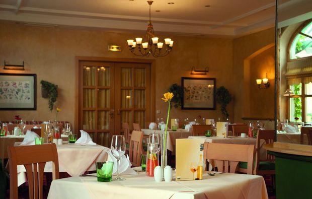candle-light-dinner-fuer-zwei-retz-restaurant