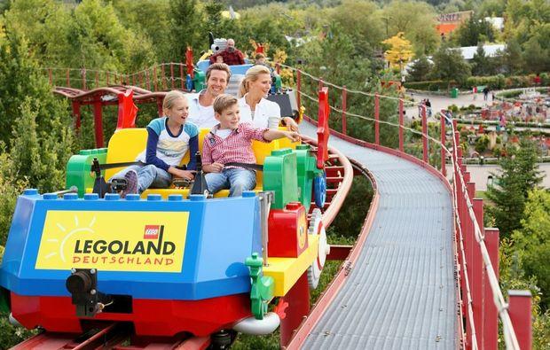 erlebnisreise-legoland-guenzburg-achterbahn