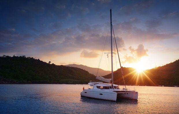 erlebnisreise-palma-de-mallorca-katamaran