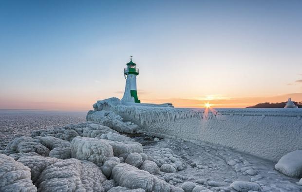 kurzurlaub-am-meer-sassnitz-leuchtturm