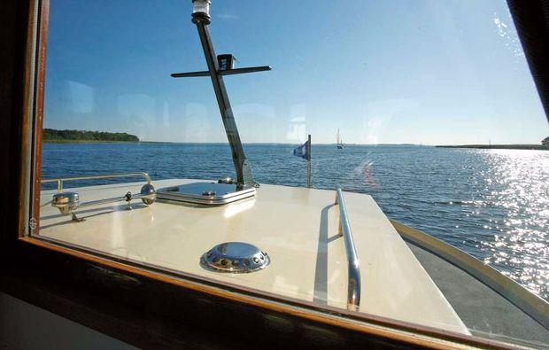 hausboot-uebernachtung-rechlin-mueritz-urlaub