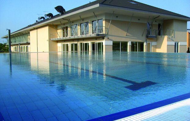 zauberhafte-unterkuenfte-zsmbk-swimming-pool