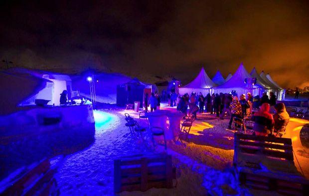 iglu-uebernachtung-les-arcs-party