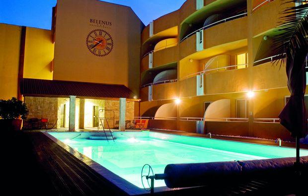 kurzurlaub-zalakaros-swimming-pool