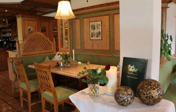 skiurlaub-reit-im-winkl-restaurant-gemuetlich