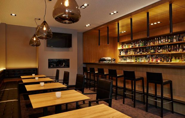 kurztrip-prag-hotel-golf-bar