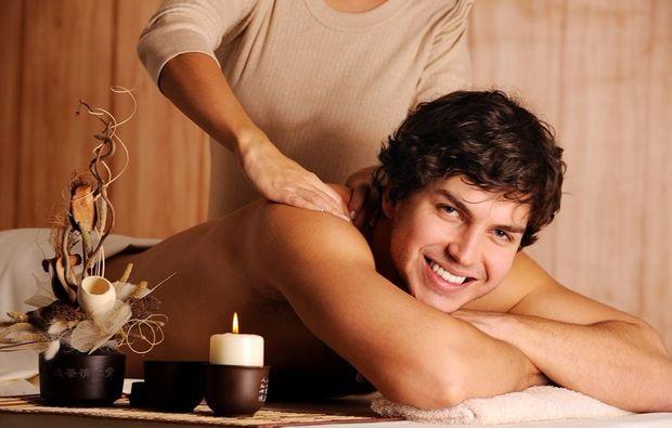 wellnesstag-fuer-ihn-linz-massage