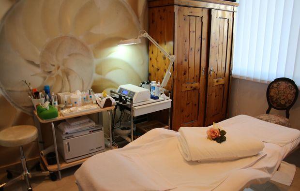 hot-stone-massage-villach-behandlungsraum