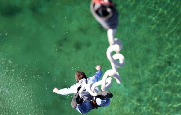 bungee-jumping-muenchen-oberschleissheim-fall