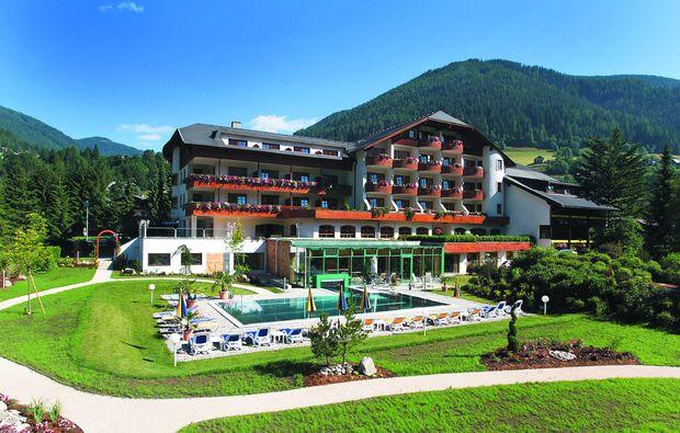 wellnesshotels-bad-kleinkirchheim-hotel-sommer