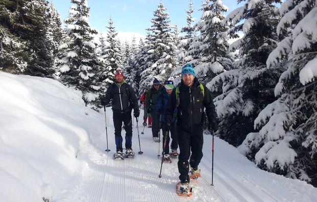 schneeschuh-wanderung-haeselgehr-familie