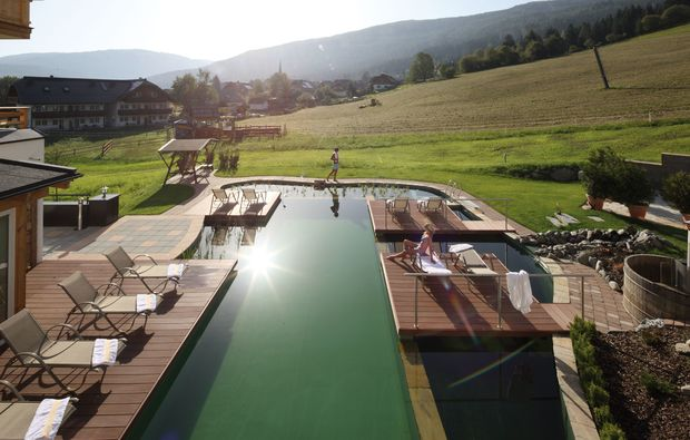 wellnesshotels-sankt-margarethen-im-lungau-pool