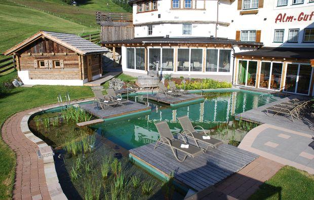 wellnesshotels-sankt-margarethen-im-lungau-schwimmbad