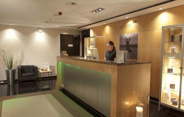 empfange-lounge-spa