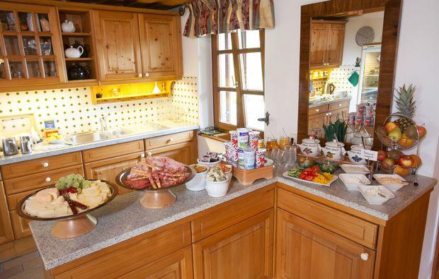 zauberhafte-unterkuenfte-ratsch-an-der-weinstrasse-buffet