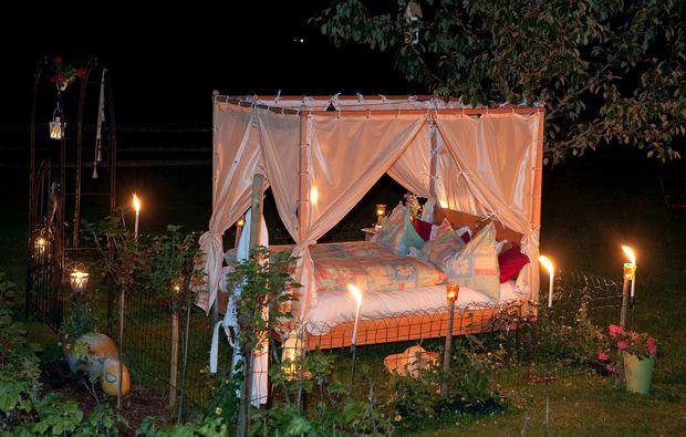 garten-himmelbett-uebernachten-dorfgastein