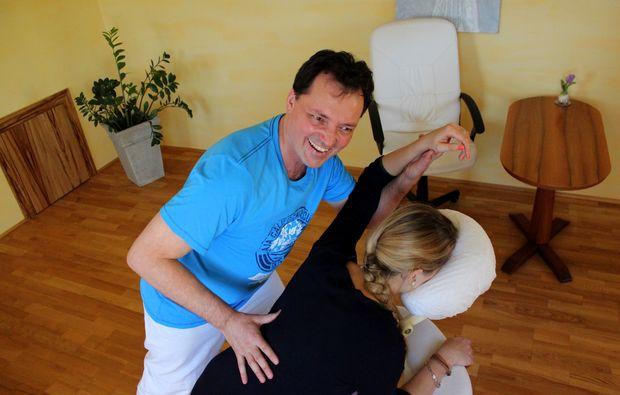 shiatsu-massage-seekirchen-am-wallersee-wellness