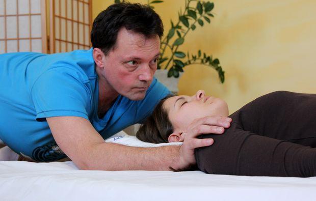 shiatsu-massage-seekirchen-entspannen-am-wallersee