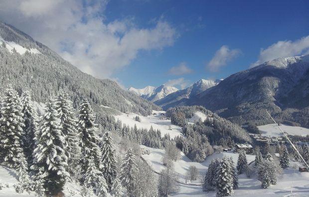 berge-schneeschuh-wanderung-haeselgehr