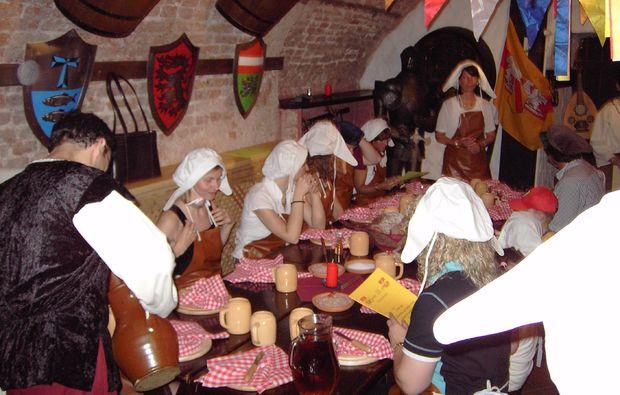ritteressen-fuer-zwei-perchtoldsdorf-traditional