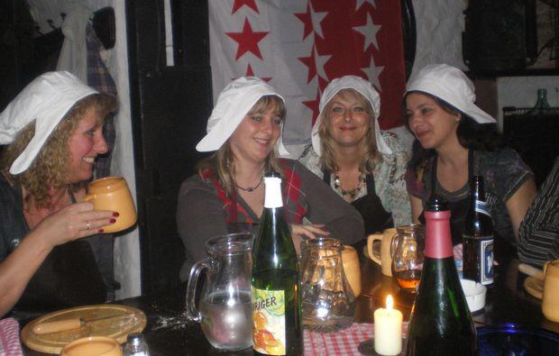 ritteressen-fuer-zwei-perchtoldsdorf-trinken
