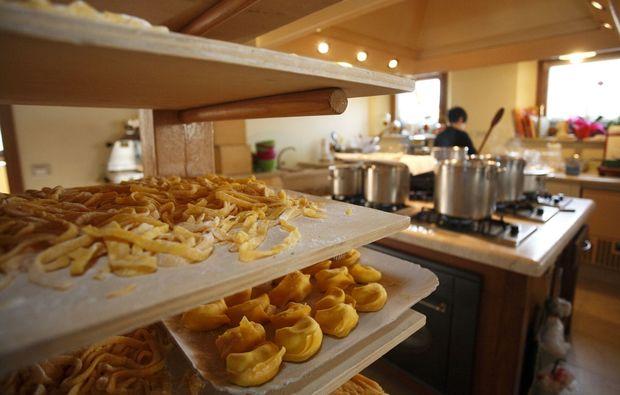 ferrari-selber-fahren-maranello-pasta