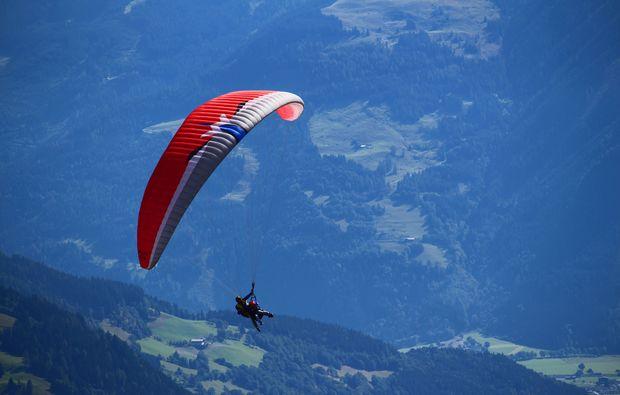 gleitschirm-tandemflug-saalbach-hinterglemm-vogelperspektive