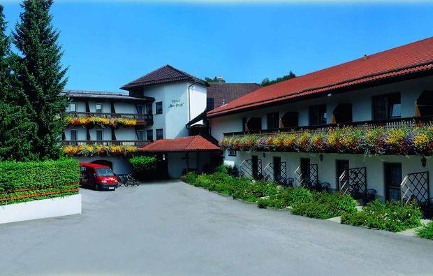 urlaub-unterkuenfte-buechlberg-hotel