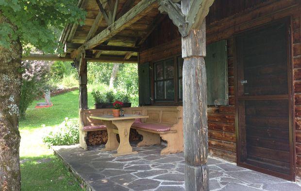 kuschelwochenende-unterammergau-terrasse