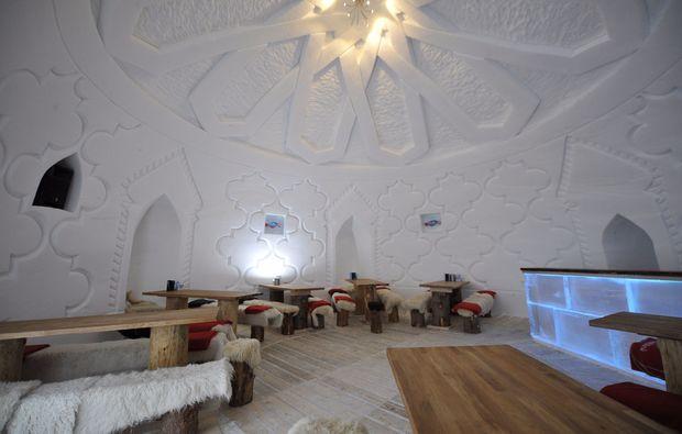 uebernachtung-romantik-iglu-zugspitze-restaurant