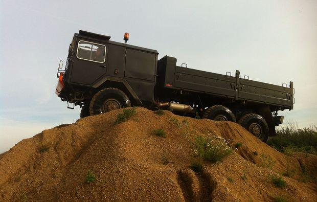 truck-offroad-fahren-weikertschlag-ad-thaya-gelaenedfahrt
