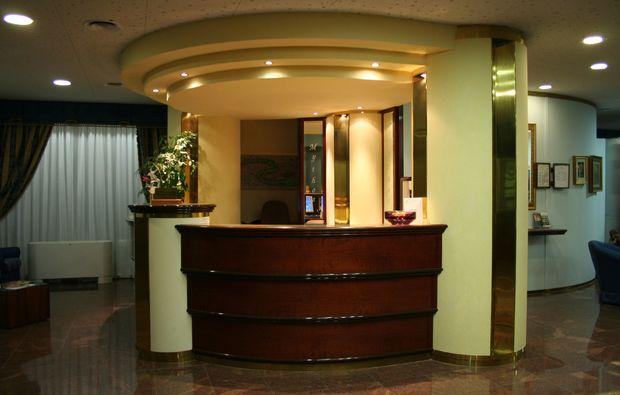bella-italia-mestre-venedig-hotel-rezeption